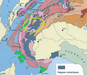 1. Emplacement des nappes d'origine océanique dans les Alpes Occidentales. En évidence le territoire dont il est question ici. D'après MARTHALER, 2002.