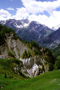Squarci gessosi in Val Sapin: scaglie tettoniche triassiche lungo il Fronte Pennidico