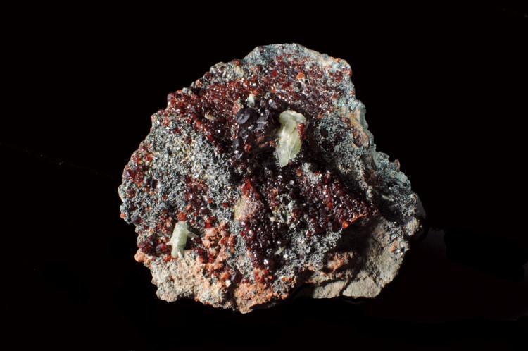 Rodingiti di Bellecombe: granato su clorite