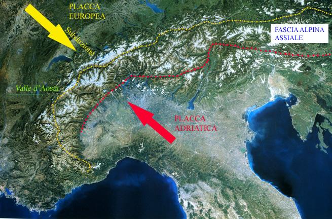 Foto satellitare dell'arco alpino con lineamenti