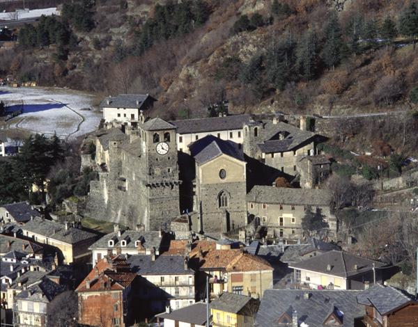 Il complesso della Prevostura con la trifora gotica della cappella mortuaria di Ibleto di Challand