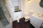 Holiday cottage North Wales - bathroom on ground floor