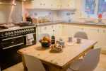 Langland bay nearby holiday home - kitchen