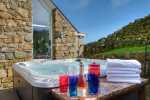 Lleyn holiday cottage with hot-tub