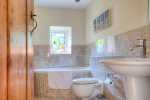 Pet friendly coastal cottage Llyn Peninsula  - bathroom