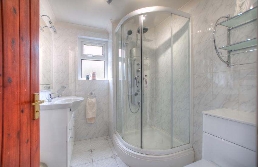 Pet friendly cottage Ceredigion - bathroom