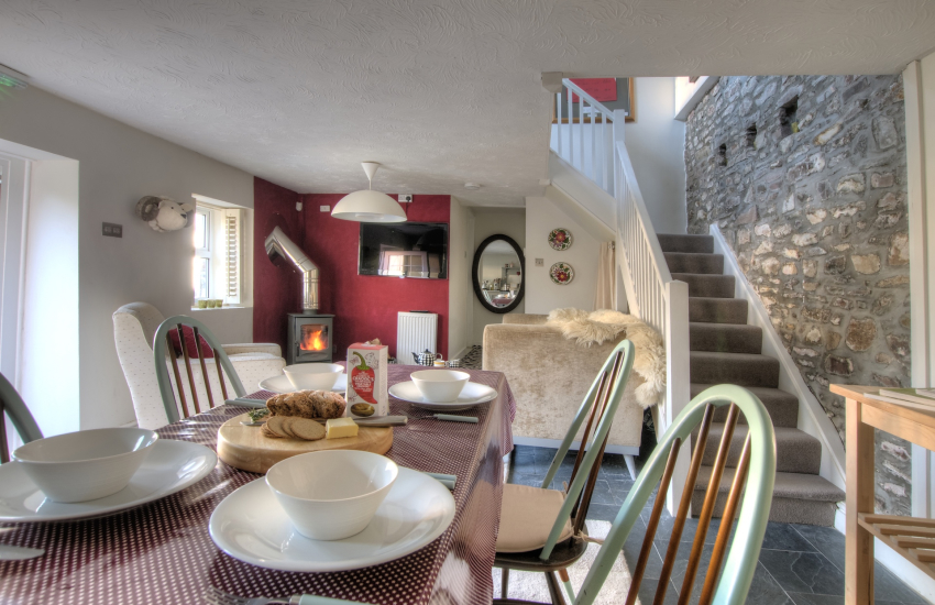 Milk Wood', Llanybri - relax all together in this cosy holiday cottage