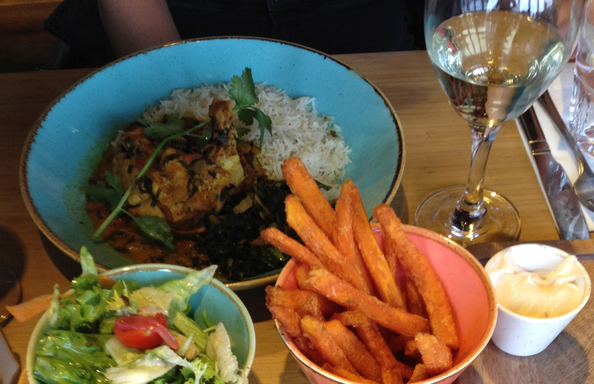 Farmers Arms in Llanybri Thai food