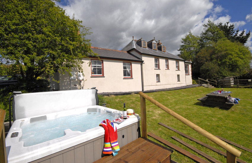 Cardiganshire holiday home with cabin games room