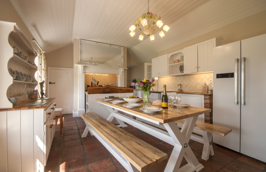 Pet friendly holiday cottage Cardigan - kitchen diner