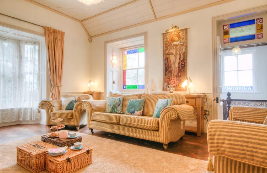Cardigan holiday cottage - lounge
