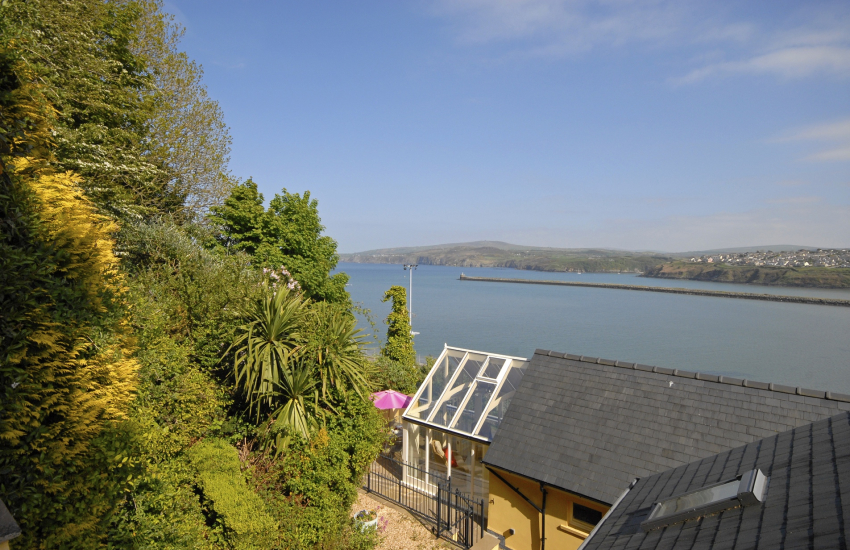 Cottage with terraced garden and sweeping coastal views over Fishguard Bay