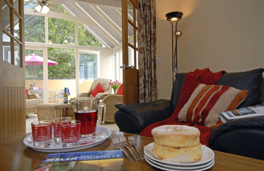 Pembrokeshire holiday cottage with conservatory