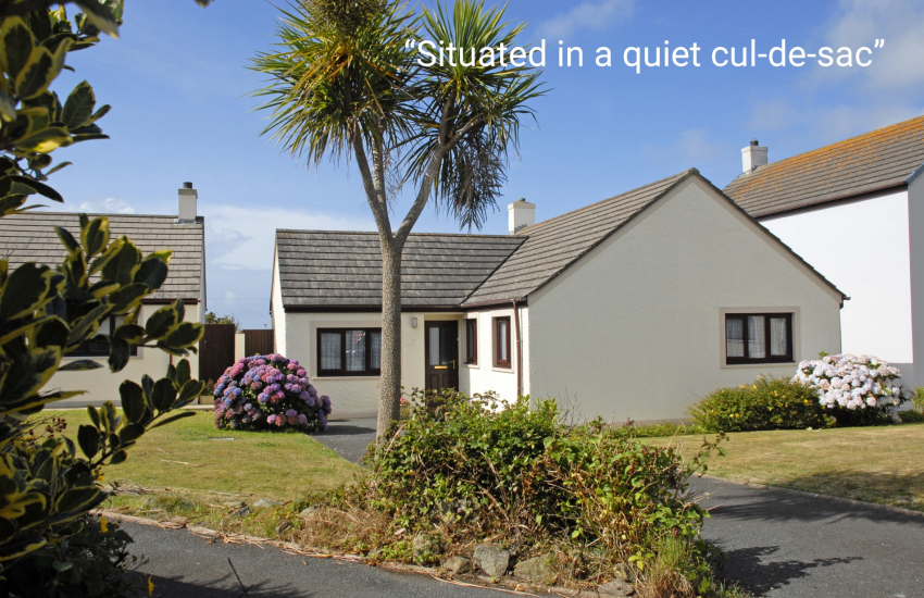 St Davids holiday bungalow - pets welcome