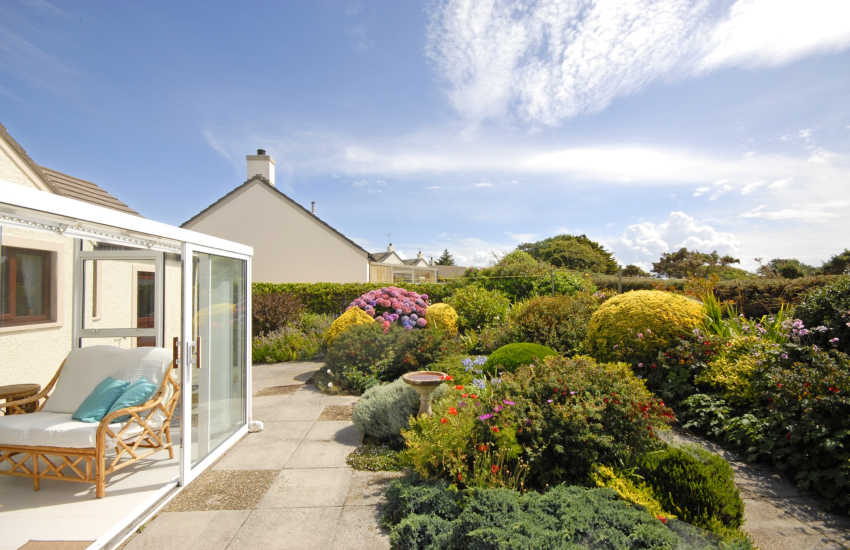Caerfai Bay holiday home - sheltered rear gardens