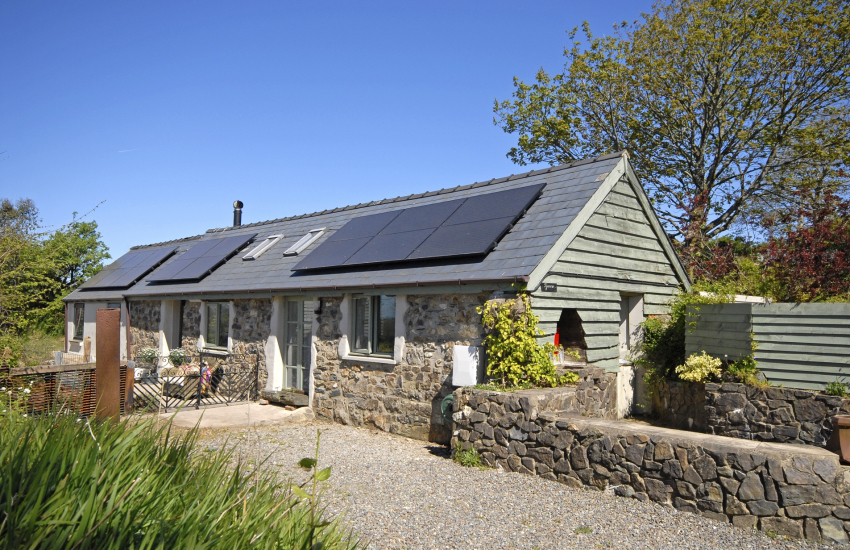 Restored Welsh cottage in the Preseli Hills - pets welcome
