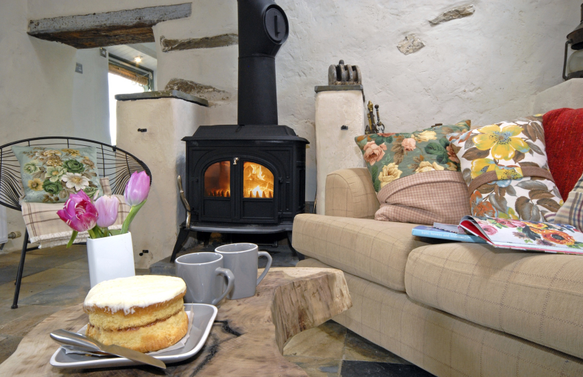 Cosy cottage with log burner
