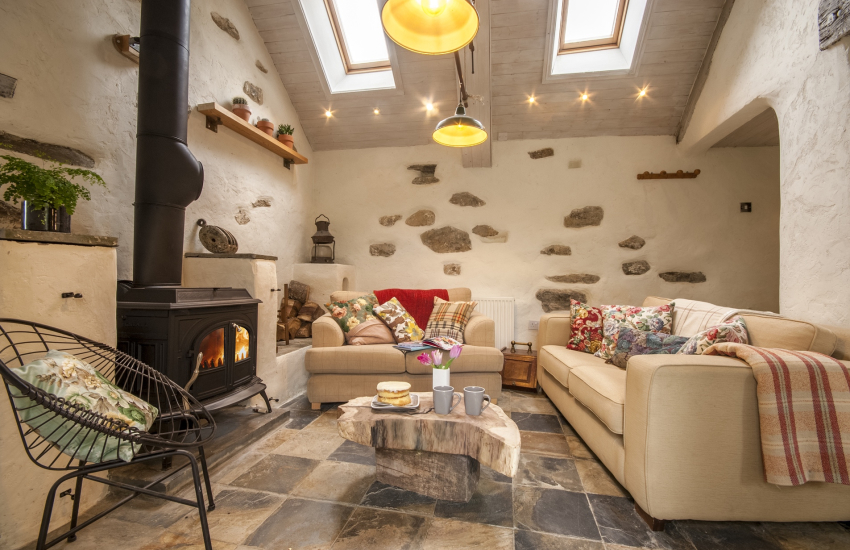 Pembrokeshire holiday cottage with wood burning stove