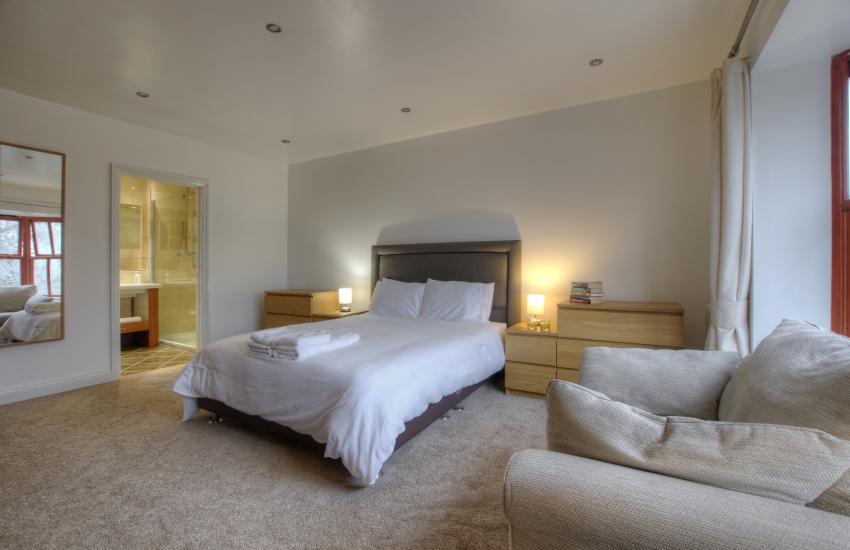 Double bedroom ensuite 1st floor