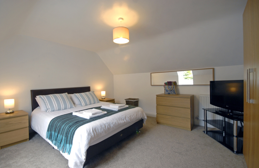 Second floor king size bedroom