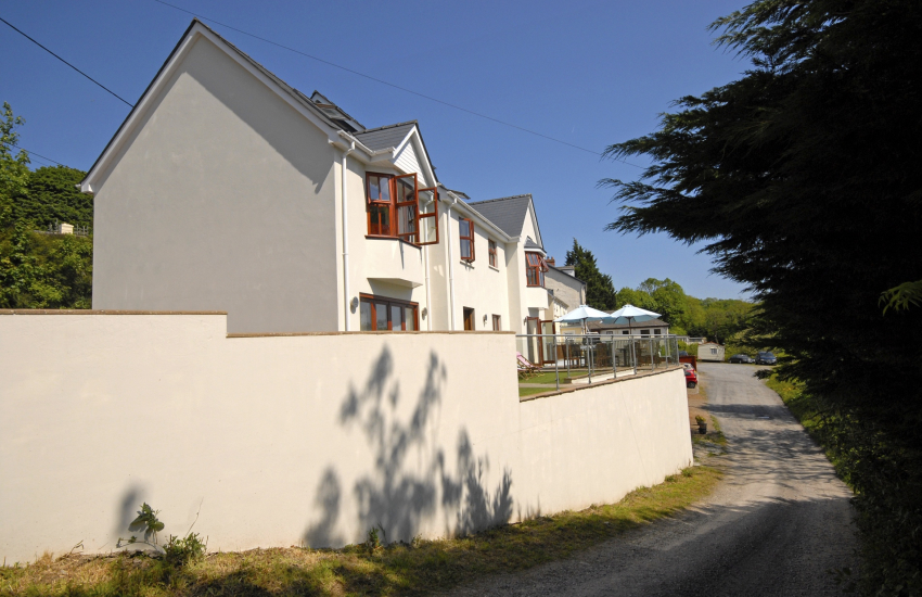 Wisemans Bridge large family holiday home - pets welcome