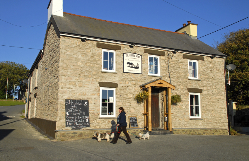 The Farmers Arms, Mathry - a traditional dog friendly village pub
