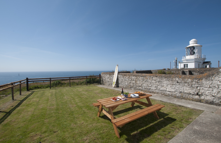 Pet friendly Pembrokeshire cottage - ext