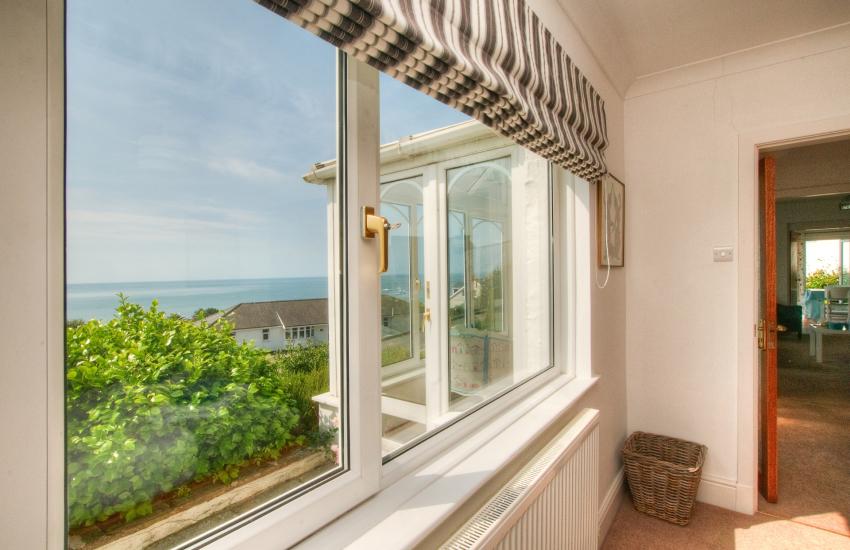 Welsh coastal cottage - sea views