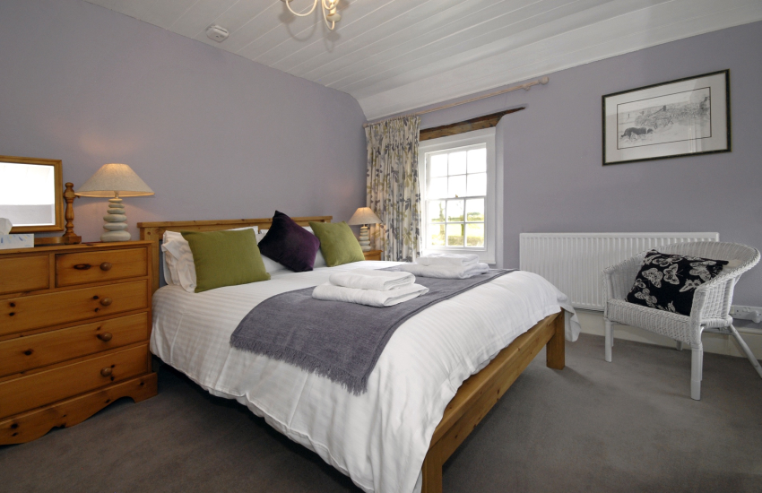 Grade II listed Pembrokeshire farmhouse - 2nd floor double