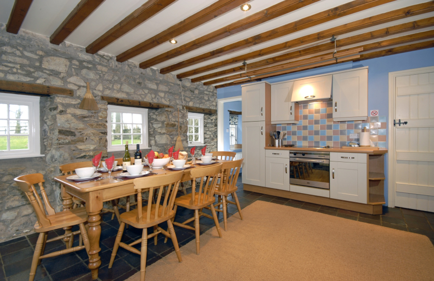 Self catering Pembrokeshire Georgian Manor - modern fully fitted kitchen/diner