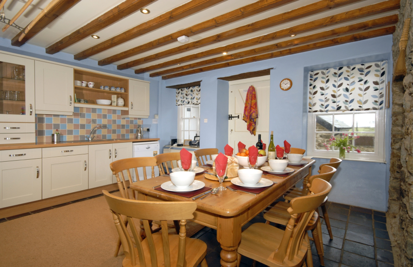 St Davids self-catering farmhouse - modern fully fitted kitchen/diner