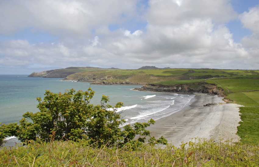 Abermawr (N.T) - a remote rural beach with a pebble bank