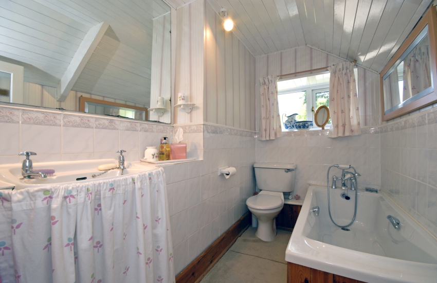 Bathroom with hand held shower