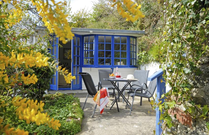 Private enclosed patio