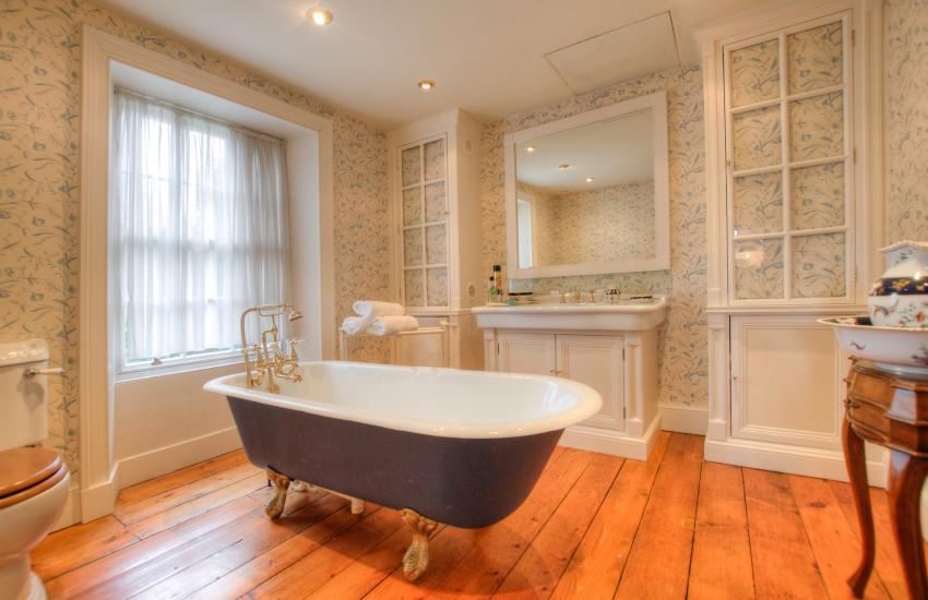 Beaumaris holiday house - bathroom