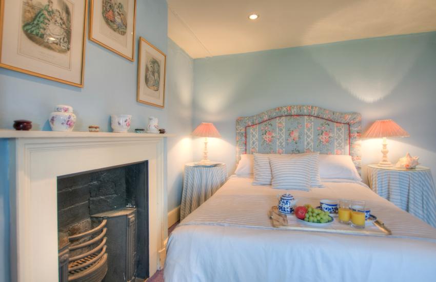 Pet friendly holiday house Beaumaris - bedroom