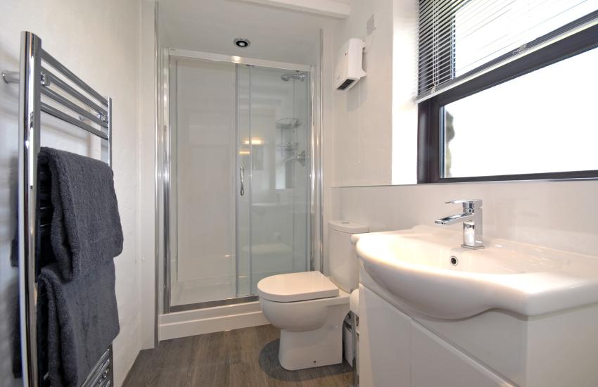 Ground floor shower room adjacent to twin