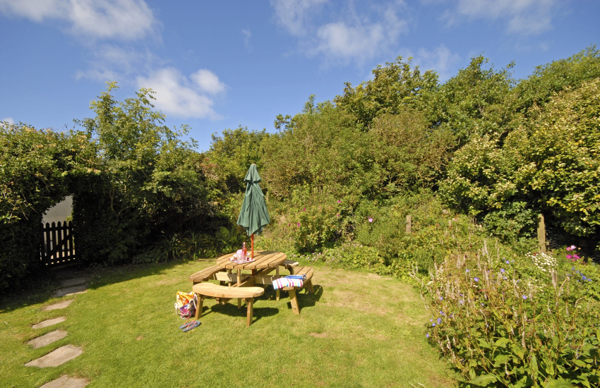 St Davids Peninsula holiday home with large gardens