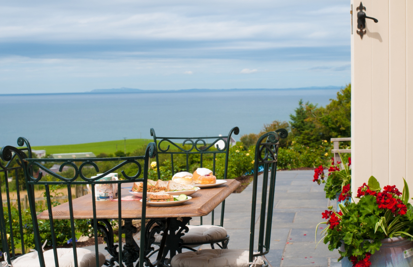 Luxury North Wales holiday cottage - patio