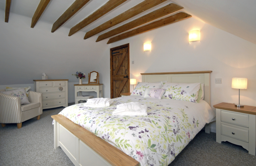 Pembrokeshire holiday home sleeps 5 - double