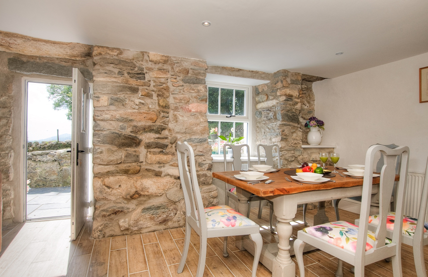 Abersoch  holiday cottage -  dining