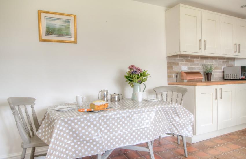 Pet friendly Holiday cottage Llyn Peninsula  - kitchen