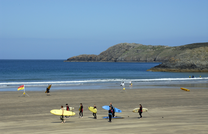 Whitesands Bay (Blue Flag) surfing beach