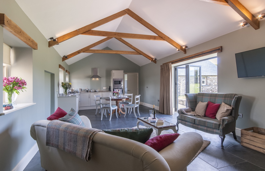 St Davids holiday cottage with spacious open plan lounge kitchen diner