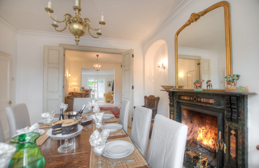 Holiday accommodation Monmouth-dining room