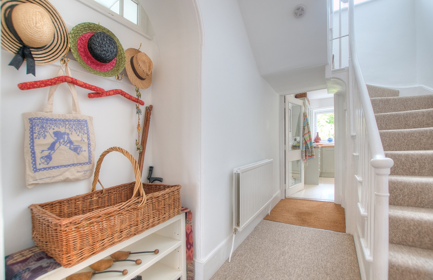 Pet friendly holiday house Monmouth -  hall