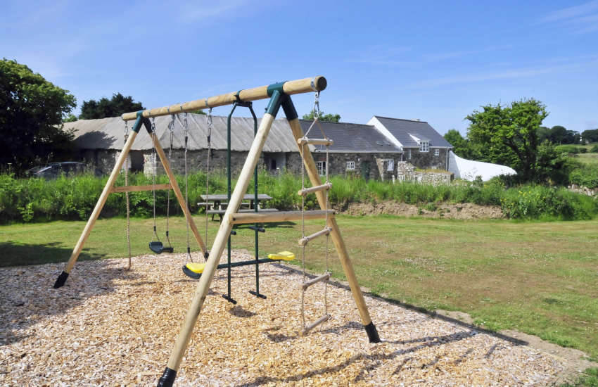 Cottage holiday garden Pembrokeshire-swings