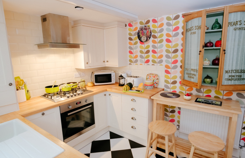 Rhossili bay near by holiday cottage - kitchen