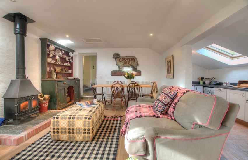 Stackpole holiday cottage - lounge