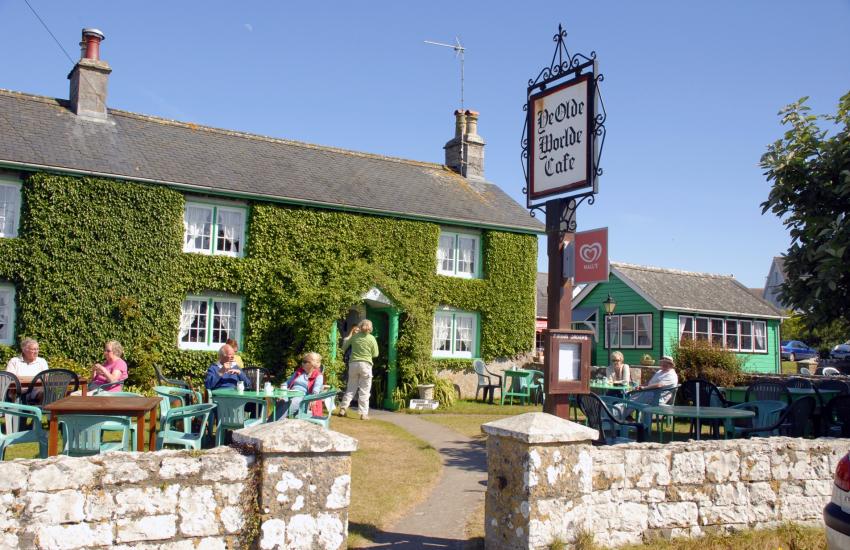 'Ye Oldie Worlde Cafe' in Bosherston